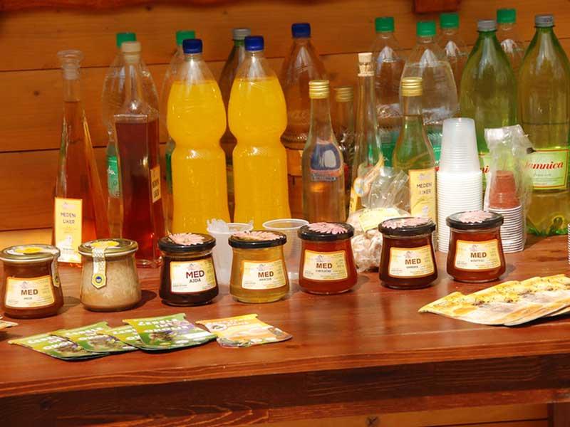 - Апитерапия - лечение пчелами и продуктами пчеловодства - pchelovodstvo